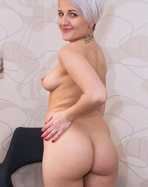 Vicki-sexy